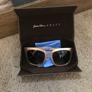 DIFF by Lauren Atkins sunglasses